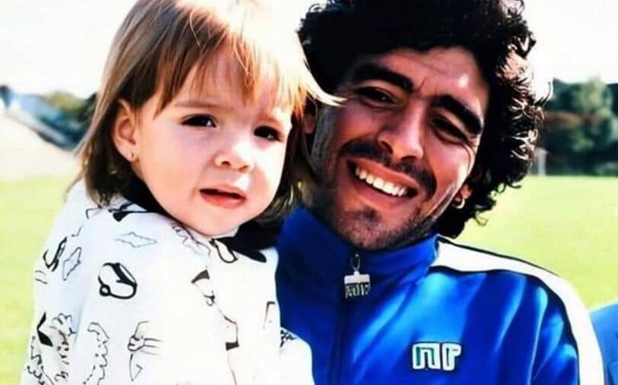 """El doloroso mensaje de Dalma Maradona: """"Voy a aguantar acá, sin esa parte de mi corazón que te llevaste ayer con vos"""""""