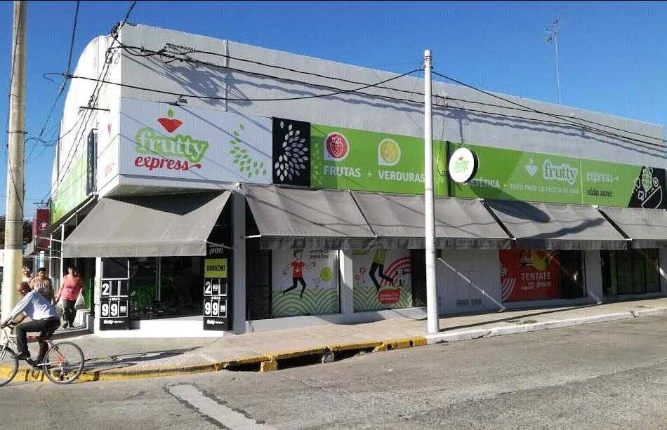 Frutty Express busca cajero y repositor para su local