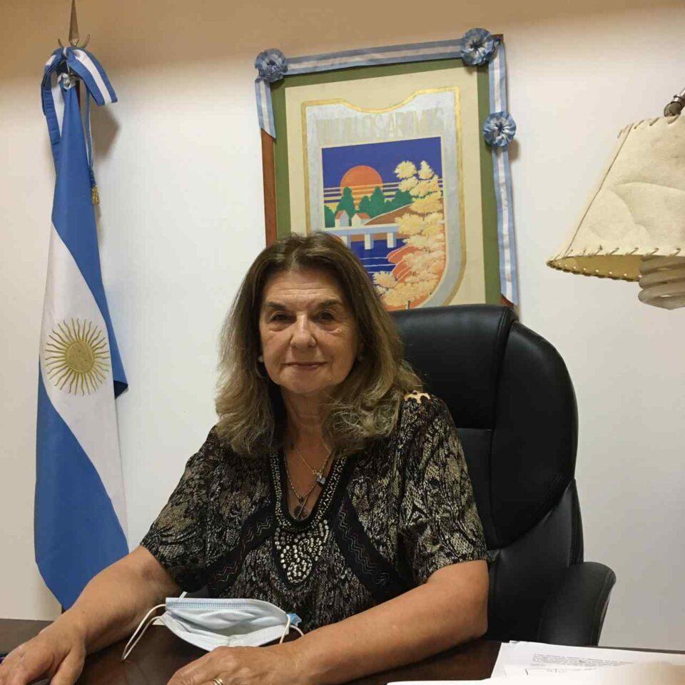El pasado martes, la jefa comunal de Villa Los Aromos firmó el convenio. Se trata de un programa que permite acceder a un subsidio para el mejoramiento del espacio físico de sedes de organizaciones de la sociedad civil.
