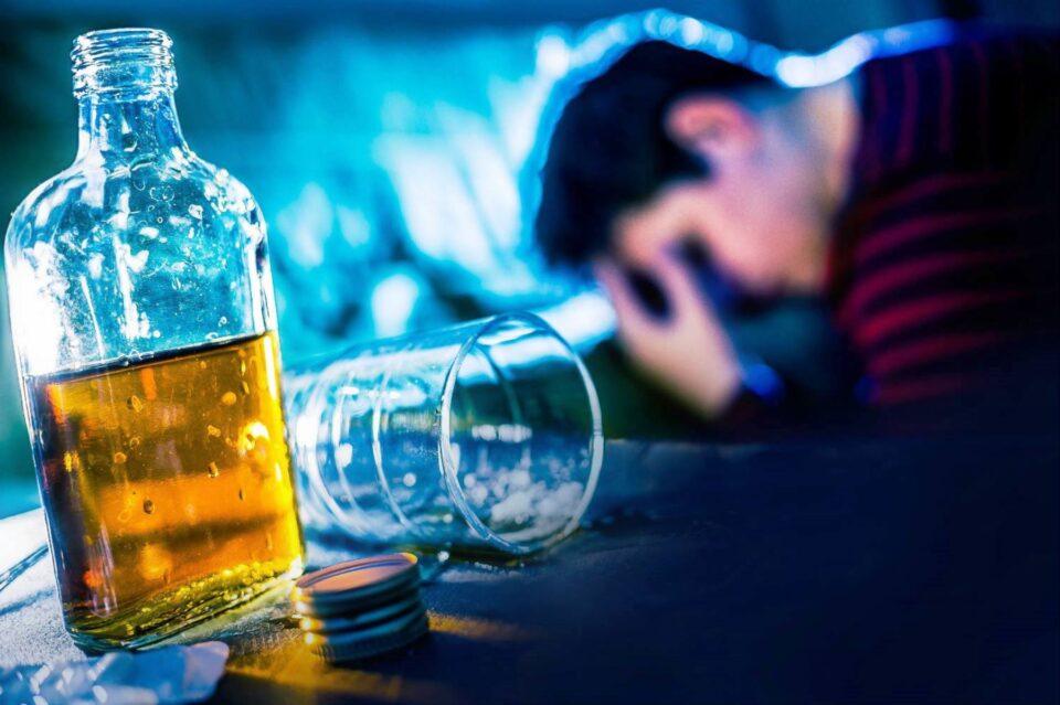 Alerta: la edad de ingreso al alcohol en jóvenes es cada vez menor