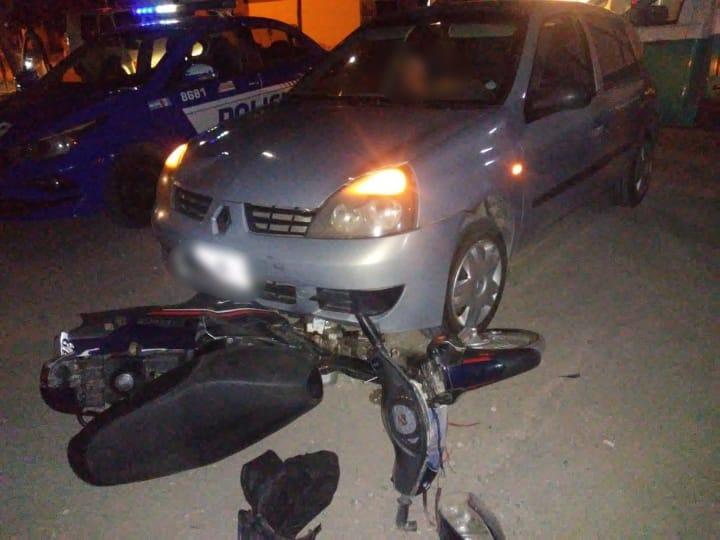Accidente de tránsito: motociclista terminó con politraumatismos