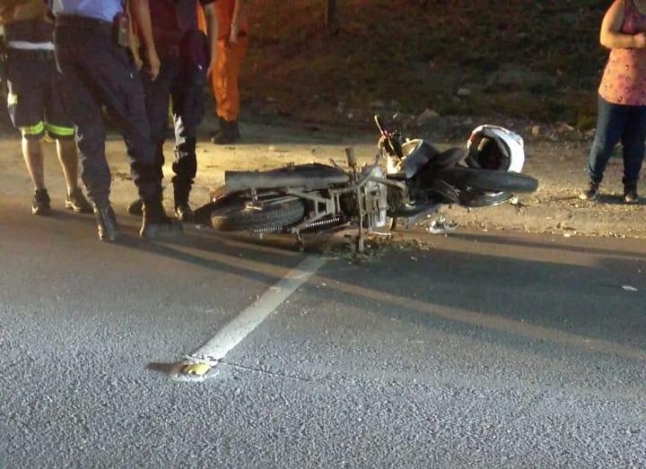 Un motocicleta debió ser trasladado al hospital tras ser embestido