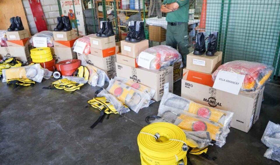El Gobierno provincial entregó equipamento a los Bomberos de la región