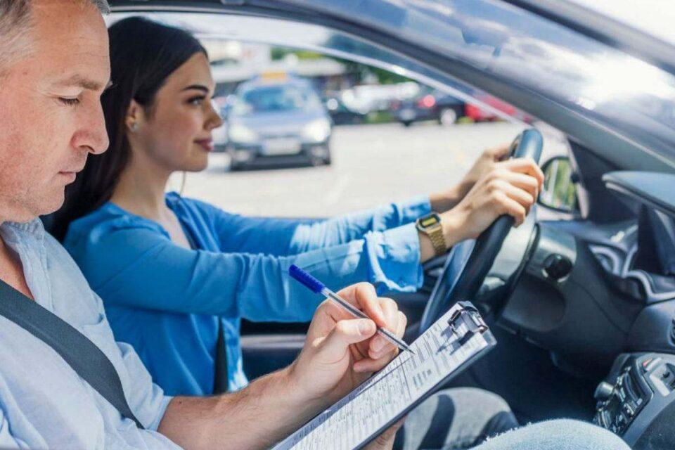 Se realizarán preguntas sobre género en el examen para licencia de conducir