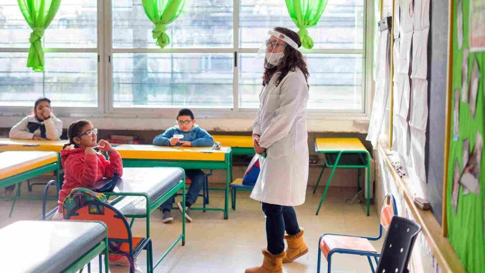 Provincia depositará a los docentes $ 3.500 para el elementos de bioseguridad