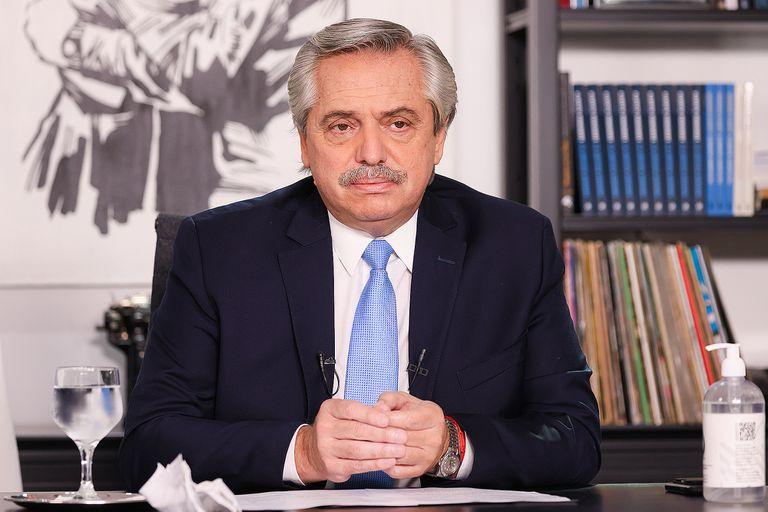 Alberto Fernández dijo que tergiversaron sus dichos sobre el relajamiento de los médicos y pidió disculpas