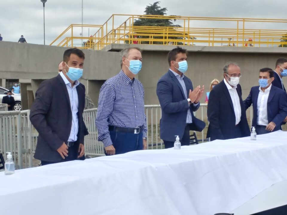 Hace instantes: El gobernador Juan Schiaretti inauguró la planta potabilizadora