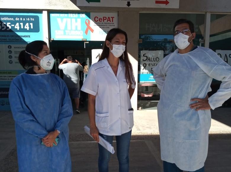 """Paro en el Hospital Illia: """"Están vaciando la salud publica, estamos muy preocupados"""""""