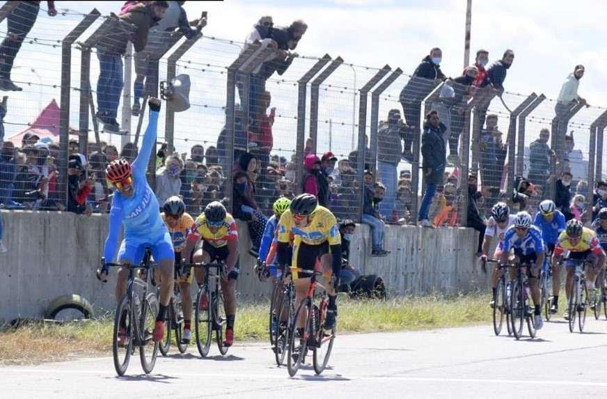 Gustavo Gómez espectacular: 5º lugar en el Argentino de Ciclismo de Ruta