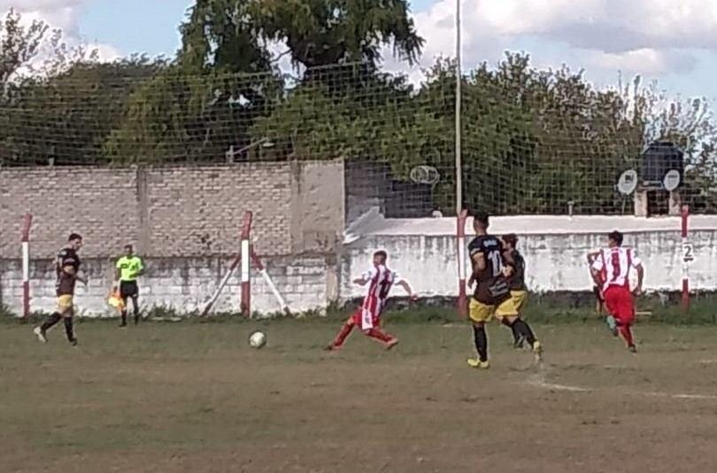 En un partidazo, Deportivo Norte cayó ante Villa Siburu en Córdoba