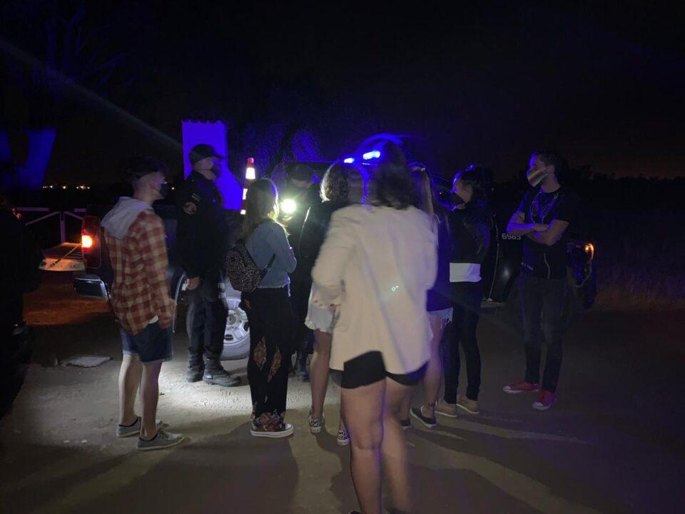 No aprenden más: anoche, fiesta ilegal en barrio Sur