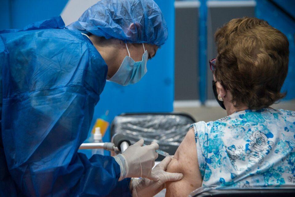 Una vecina de Alta Gracia denuncia que fue vacunada con dosis diferentes