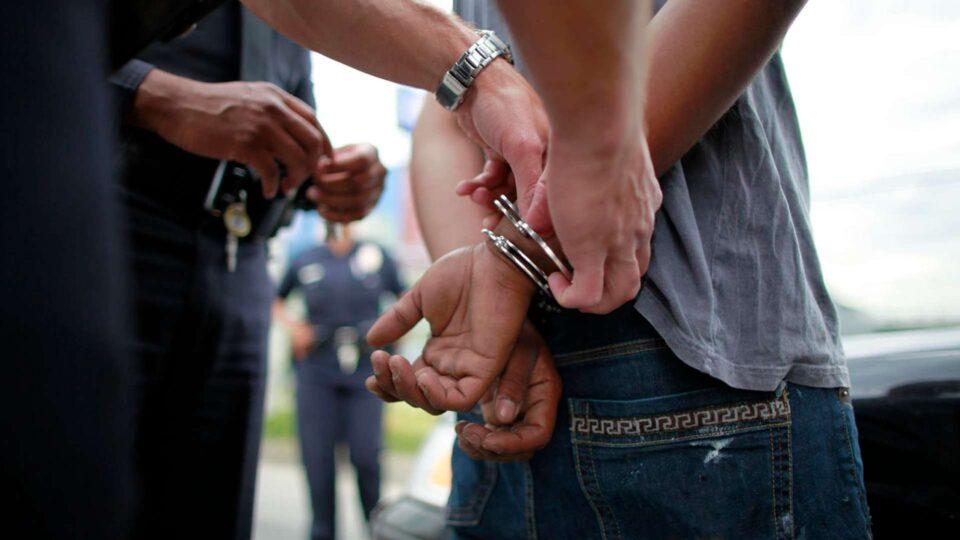 Una persona fue detenida por cargos de abuso sexual
