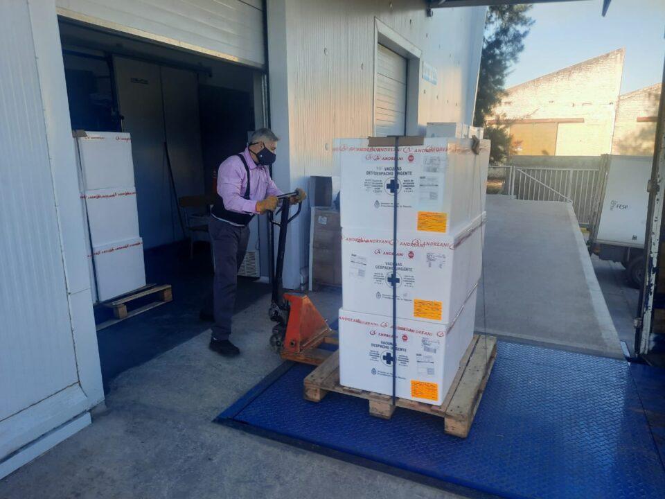 Córdoba recibió 128.000 dosis de la vacuna Sinopharm
