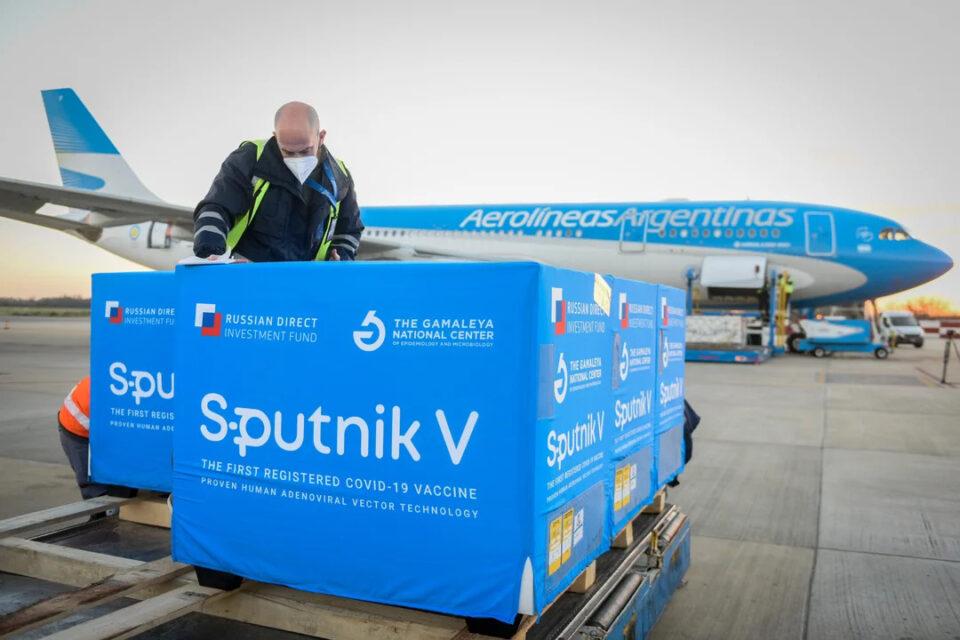 Llegan a Córdoba vacunas Sputnik V producidas en la Argentina