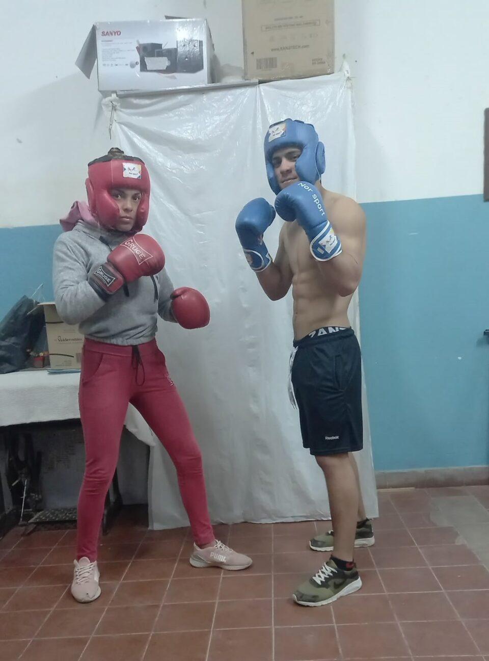 Valentina y Santiago, las nuevas promesas del boxeo en Villa del Prado
