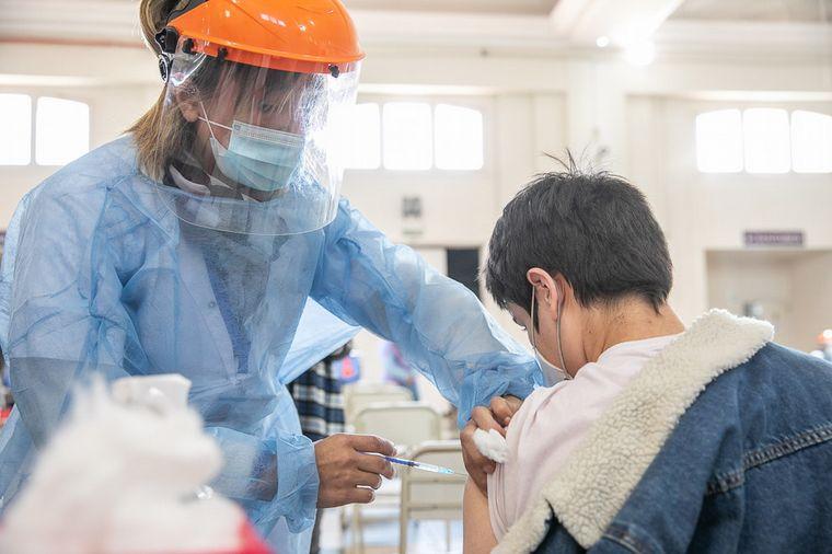 Aprobaron la vacuna Sinopharm para niños de 3 a 11 años